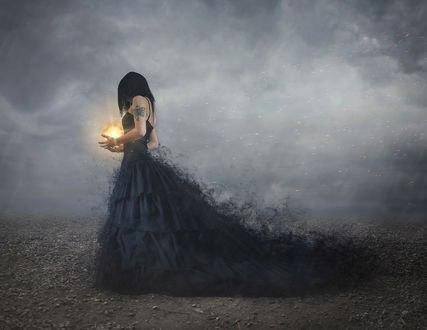 Обои Девушка с огненной магией над руками, by Bettina Dupont