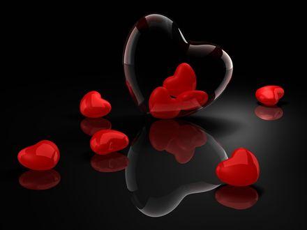 Обои Сердечки и их отражение на поверхности