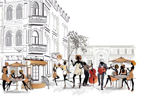 Обои Небольшое кафе прямо на улице, девушки-клиентки сидят за столиком и разговаривают, официантка несет чайник на подносе, девушка-певица поет под музыку гитары и контрабаса