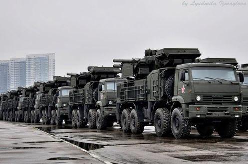 Обои Военные камазы идут на парад победы 9 мая в Москве, by Людмила Измайлова