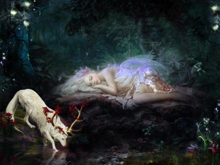Обои Белокурая девушка - мотылек спит на камне, рядом с ней у воды стоит белый волк с рогами, на фоне волшебного леса