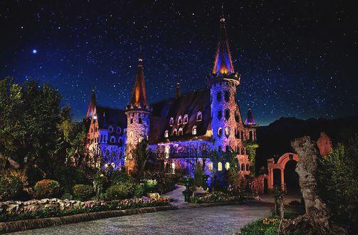 Обои Замок под звездным небом