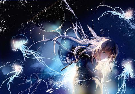 Обои Девочка в окружении медуз и рыбок