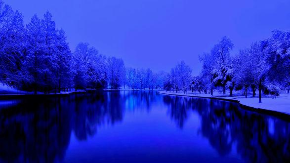 Обои Река в одном из зимних парков США в синих тонах, фотограф оригинала Todd Landry