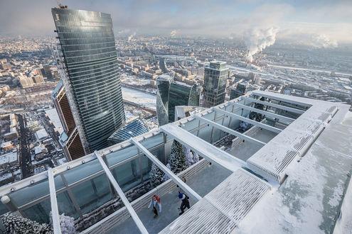 Обои Каток для влюбленных на крыше башни Москва Сити