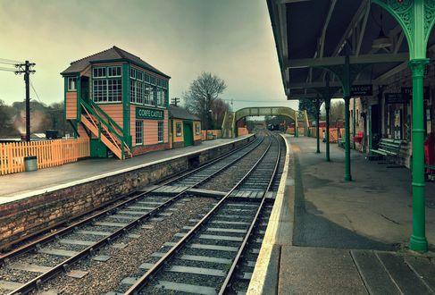 Обои Железнодорожная станция с железной дорогой, by Narratographer
