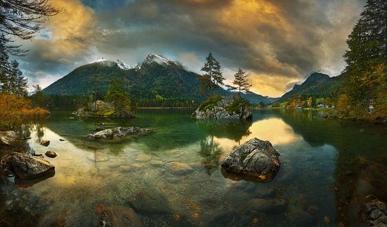Обои Красивое озеро в окружении гор, фотограф Krzysztof Browko