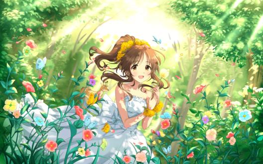 Обои Айко Такамори / Takamori Aiko из аниме Идолмастер: Девушки-Золушки / Idolmaster / THE iDOLM@STER: Cinderella Girls наслаждается цветами в лесу