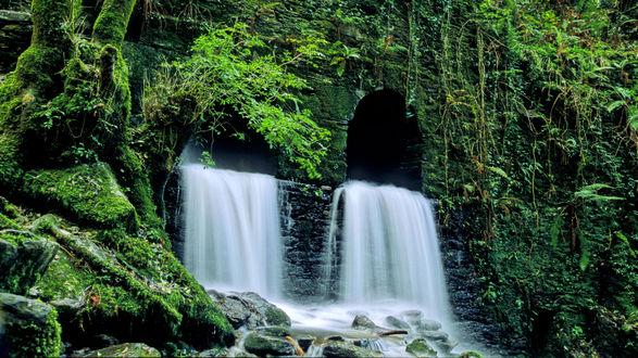 Обои Водопад, зелень. Испания