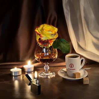 Обои Натюрморт - бокал с напитком и желтой розой, горящие свечи и зажигалка, чашка с кофе и кусочки сахара на блюдце, by GaL-Lina