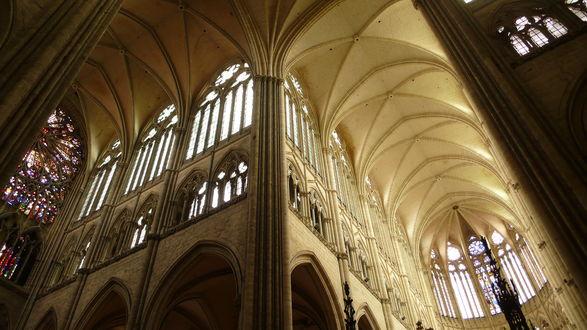 Обои Собор Парижской Богоматери в городе Амьен на севере Франции