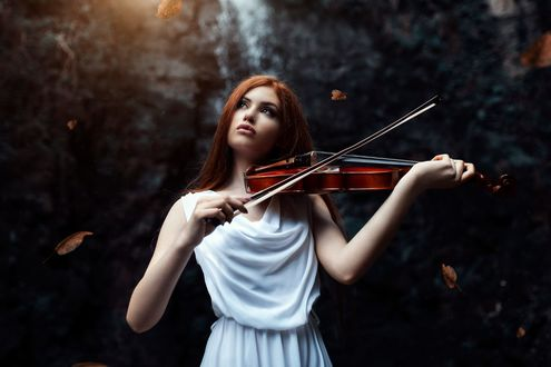 Обои Девушка со скрипкой в руках, фотограф Alessandro Di Cicco