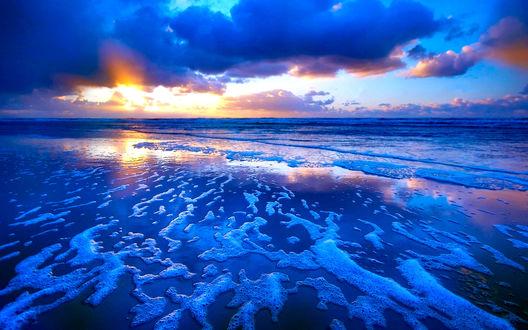 Обои Закат на морском побережье