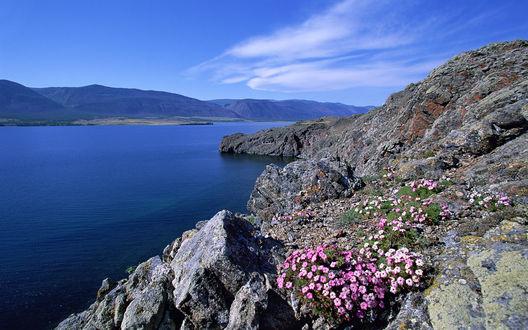 Обои Живописный горный пейзаж