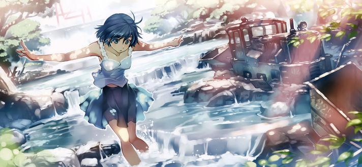 Обои Девушка в летней одежде шагает по воде на фоне старого разбитого паровоза, автор vania600 (Dima works)
