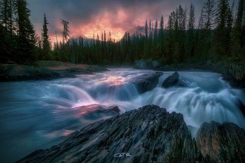 Обои Восход у Изумрудного озера, British Columbia / Британская Колумбия, фотограф Carl Pan