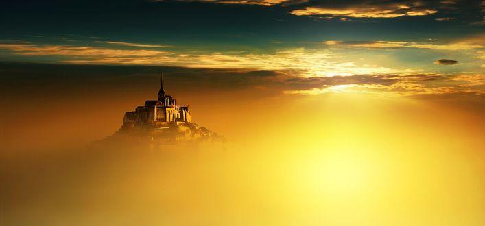 Обои Mont Saint-Michel / Мон-Сен-Мишель - небольшой скалистый остров, превращенный в остров-крепость, на северо-западном побережье Франции, фотограф Anna Ovatta