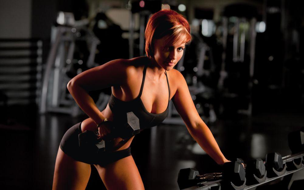 Девушка в спортивном нижнем белье — photo 11