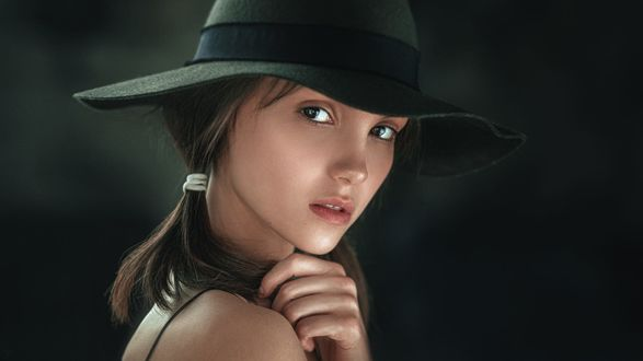 Обои Модель Маша в шляпе, фотограф Георгий Чернядьев