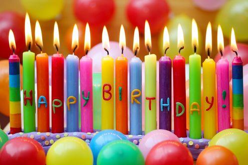 Обои Разноцветные зажженные праздничные свечи (happy birthday!)