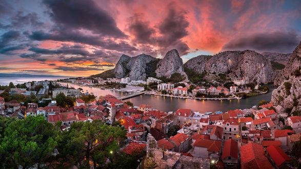 Обои Вечер в городе Далмация, Хорватия