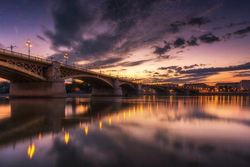 Обои Мост вечером в Будапеште, Венгрия