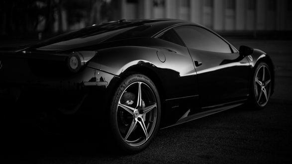 Обои Ferrari 458 Italia в черно-белом цвете