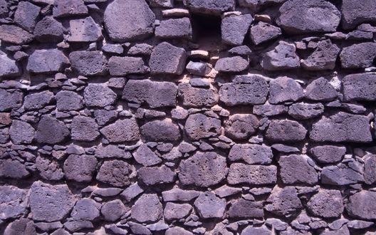 Обои Кирпичная стена в лиловых тонах