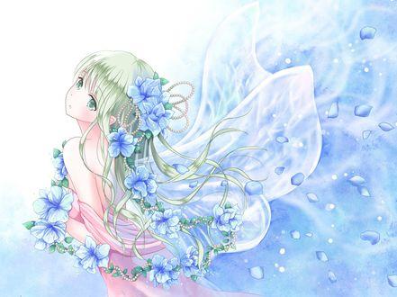 Обои Девушка с голубыми цветами и крылышками бабочки