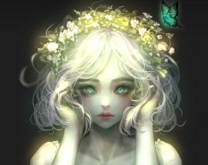 Обои Девушка в венке и с бабочкой у головы