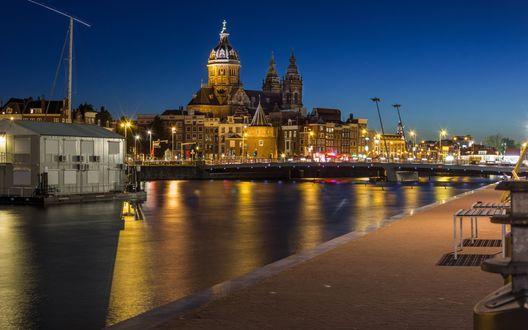 Обои Церковь святого Николая ночью, город Амстердам