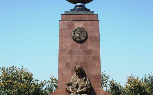 Обои Памятник счастливой матери, город Ташкент