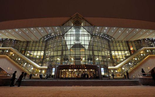 Обои Стеклянный фасад железнодорожного вокзала, город Минск