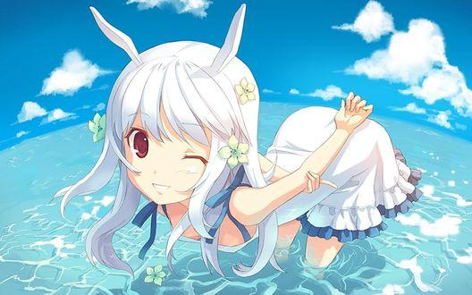 Обои Девушка с ушками кролика стоит в воде