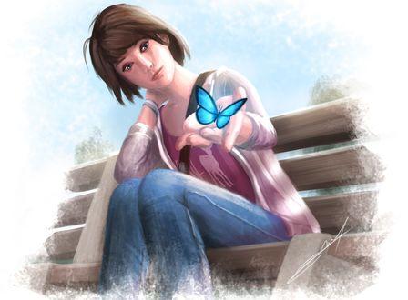 Обои Максин Колфилд / Maxine Caulfield, более известная как Макс / Max — главная героиня игры Жизнь – странная штука / Life is Strange, сидя на скамейке, протянула руку к голубой бабочке, art by Callyste