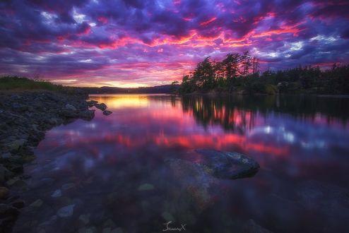 Обои Облачное небо отражается в воде, фотограф James Xiang