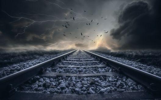 Обои Железная дорога, уходящая в даль