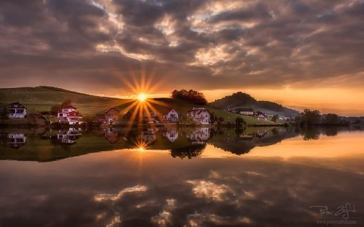 Обои Закат над озером Pernica, Словения, фотограф Peter Zajfrid