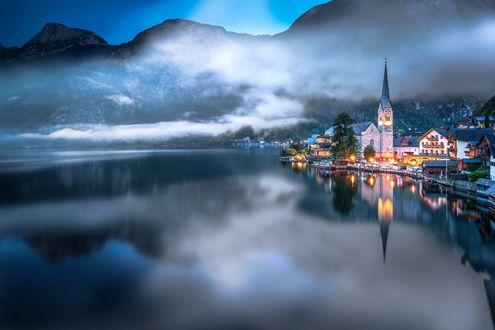 Обои Город Hallstatt / Хальштатт между горой и озером, фотограф Adnan Bubalo