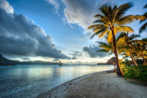 Обои Пляж на закате солнца, Остров Бора-Бора, Французская Полинезия