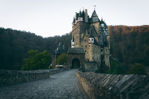Обои Дорога к Burg Eltz / Замку Эльц, фотограф Johannes Hulsch