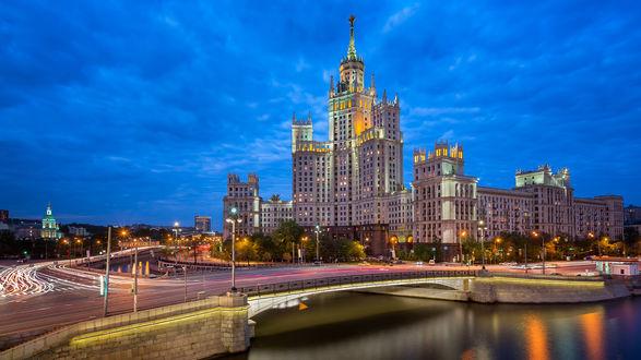 Обои Высотка на Котельнической Набережной, Москва