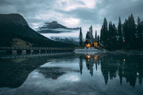 Обои Домик у озера, фотограф Johannes Hulsch
