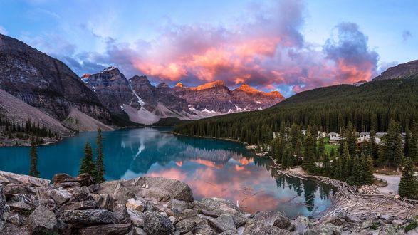 Обои Озеро Moraine / Морейн, Национальный парк Банф, Альберта, Канада, фотограф Francis Yap M