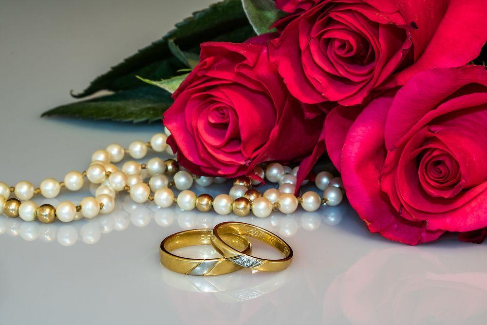 Розы для открытки свадьба, елочными игрушками смешные