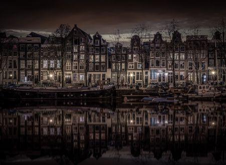 Обои Одна из улиц Амстердама, Нидерланды
