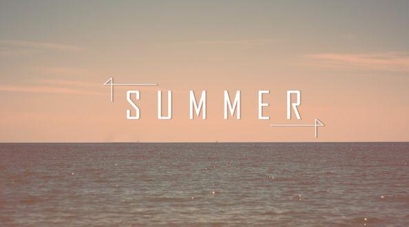 Обои Слово Summer / Лето на фоне вечернего неба и моря