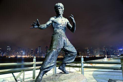 Обои Скульптура актера Брюс Ли / Bruce Lee, Hong Kong / Гон-Конг, China / Китай