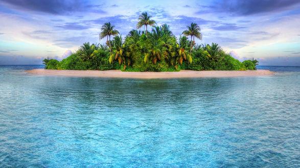 Обои Тропический островок в море