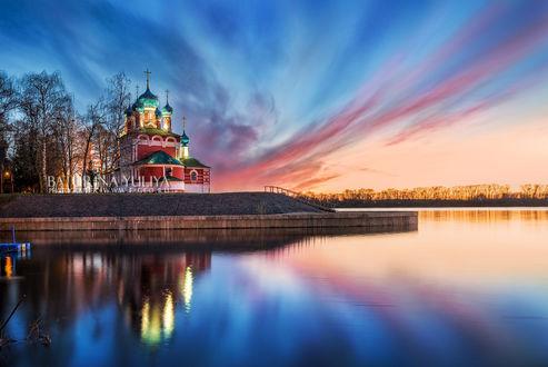 Обои Храм Дмитрия в Угличе. Фотограф Юлия Батурина